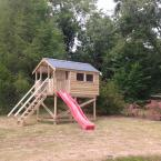 02 10x6 Barrelboard Treehouse 5ft Stand with slide and metal roof